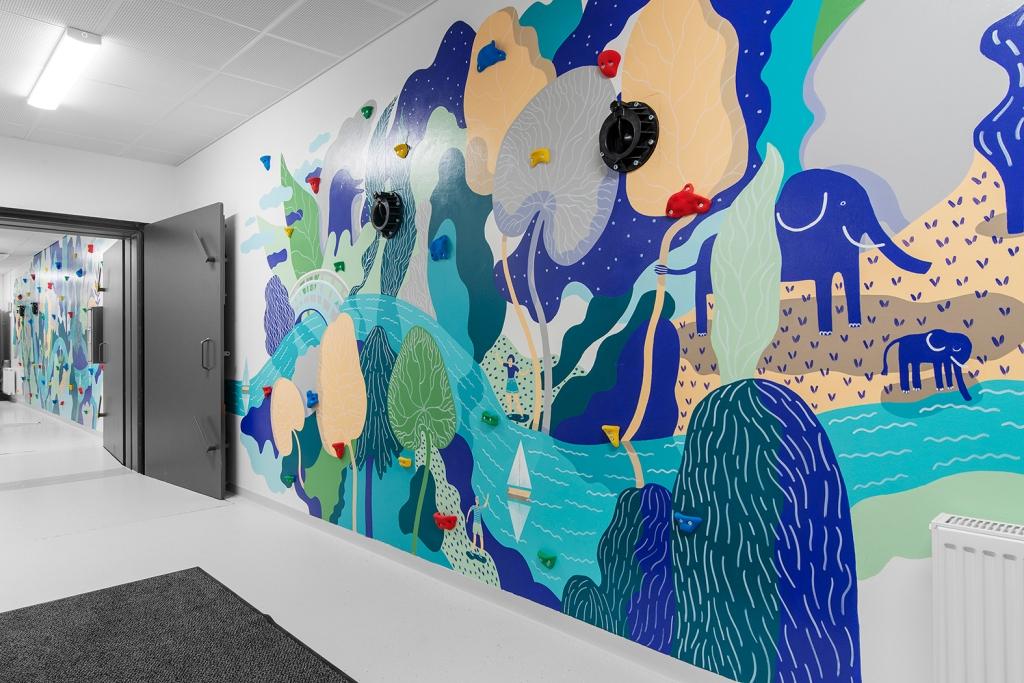 Seikkailu / The Adventure. Mural, Korkeakosken koulu, Kotka 2019. Photo: Linda Varoma